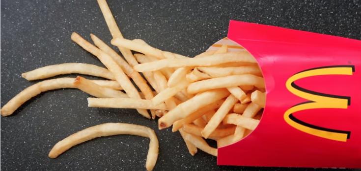 mcdonalds fast food fries 735 350 - Los ingredientes de las patatas fritas de McDonald's incluyen una forma de silicona y químicos derivados del petróleo