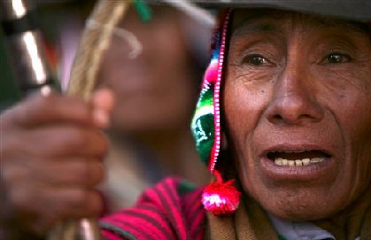 UNA PROTESTA INDÍGENA BLOQUEA POZOS PETROLÍFEROS EN PERÚ