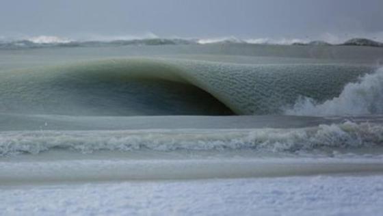 3 - Fenómeno natural sorprendente: Olas congeladas