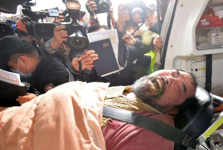Kim Ki-jong es retirado tras ser detenido