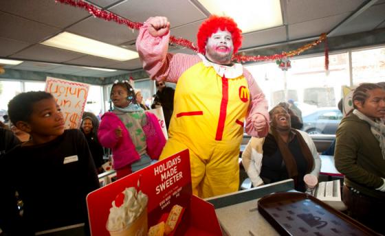 McDonald's cierra la web que aconsejaba a sus empleados no comer su comida y cierra locales por todo el mundo Mcdonalds