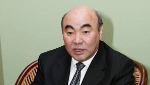 Askar Akáyev