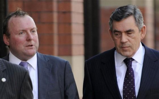 Damian McBride, izquierda y Gordon Brown, derecha