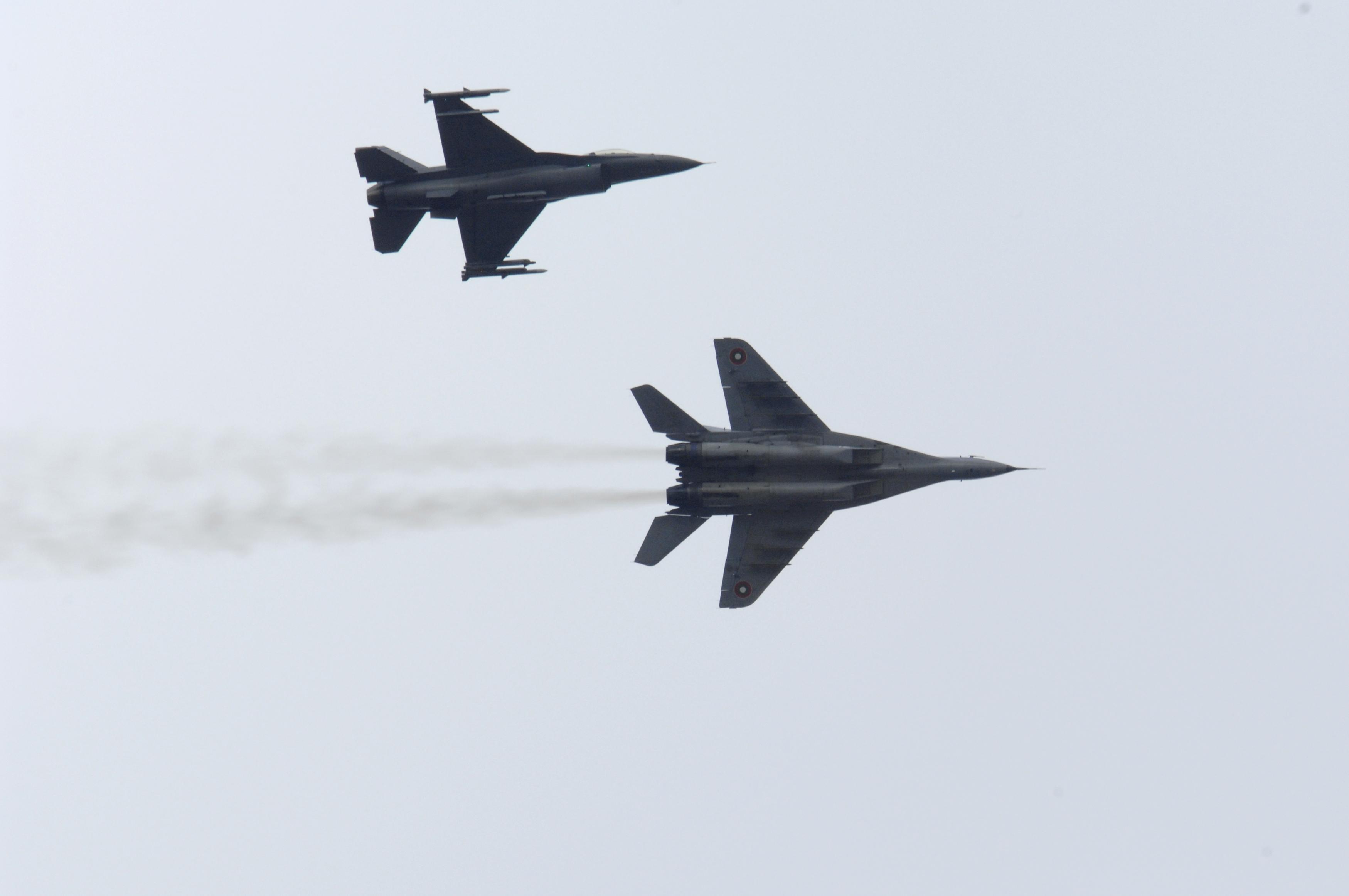 Resultado de imagen de Aviones rusos y turcos