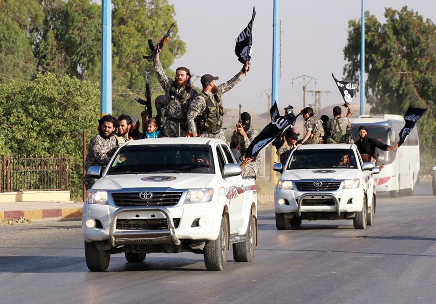 Resultado de imagen de Hilux, de la marca japonesa Toyota, en siria