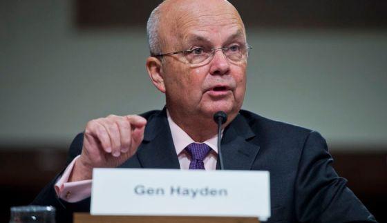 Exdirector de la Agencia Central de Inteligencia (CIA), Michael Hayden