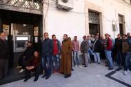 BANCO CENTRAL DE LIBIA CONTRATA A DOS LADRONES PARA QUE ABRAN SU CAJA FUERTE LLENA DE MONEDAS DEORO