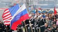 PRIMEROS EXPERTOS QUE ACONSEJAN ACERCAMIENTO ENTRE RUSIA Y EEUU PARA IR CONTRACHINA