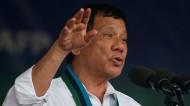 """EL PRESIDENTE DE FILIPINAS ADMITE QUE """"TIRÓ A CRIMINALES DESDE UN HELICÓPTERO"""""""