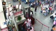 DETIENEN A UN HOMBRE EN CHINA QUE VIAJABA CON DOS BRAZOS EN SUMALETA